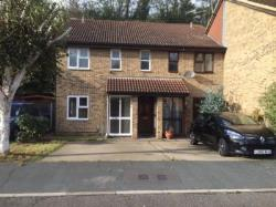 Flat To Let Badgers Dene Grays Essex RM17