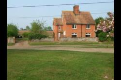 Semi Detached House To Let Gazeley Newmarket Suffolk CB8