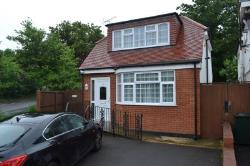 Detached House To Let  London Greater London NW7