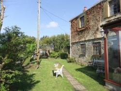 Semi Detached House To Let  Redruth Cornwall TR16