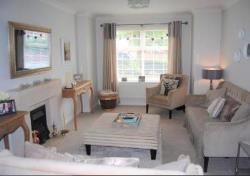 Detached House To Let  Swindon Wiltshire SN25
