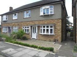 Maisonette To Let  Romford Essex RM2