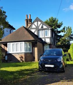 Detached House To Let  London Greater London NW9