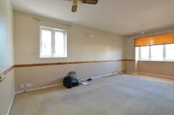 Flat To Let  Grays Essex RM16