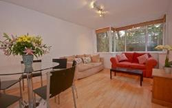 Terraced House To Let  London Greater London SW8