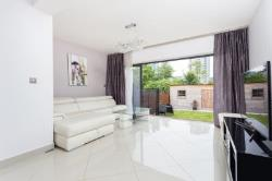 Terraced House To Let  London Greater London SW18