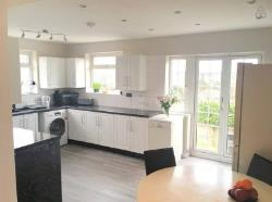 Terraced House To Let  Luton Hertfordshire LU2