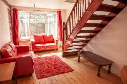 Semi Detached House To Let  Surbiton Surrey KT5