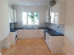 Terraced House To Let  London Greater London E7