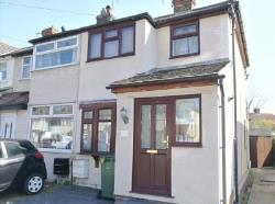 Terraced House To Let  Hornchurch Essex RM12