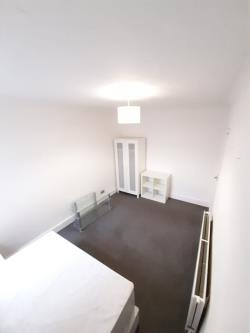 Terraced House To Let  Watford Hertfordshire WD18