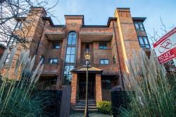 Flat To Let  Wimbledn Greater London SW20