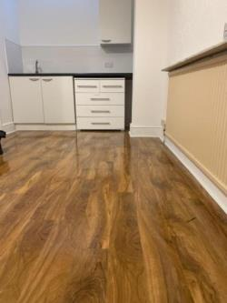 Flat To Let  Ilford Essex IG2