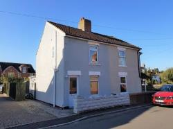 Terraced House To Let Haydon Wick Swindon Wiltshire SN25