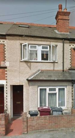 Terraced House For Sale  Reading Berkshire RG6