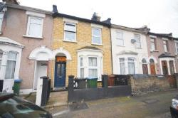 Terraced House To Let  London Greater London E11
