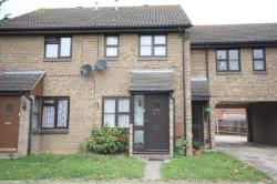Semi Detached House To Let  Southend On Sea Essex SS3