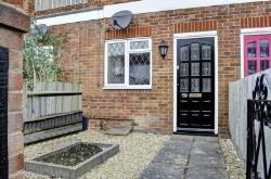 Flat To Let  Princes Risborough Buckinghamshire HP27