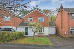 Detached House To Let  Tring Buckinghamshire HP23