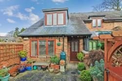Terraced House For Sale  Tring Hertfordshire HP23