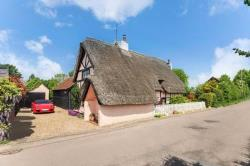 Detached House For Sale  Tring Buckinghamshire HP23