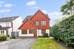 Detached House For Sale  North Cray Kent DA14