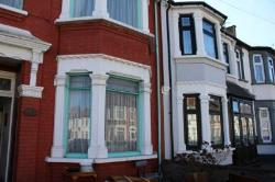 Terraced House To Let  Ilford Essex IG1