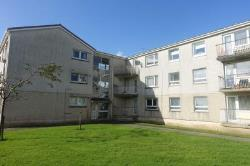 Flat To Let  Auldhouse Lanarkshire G75