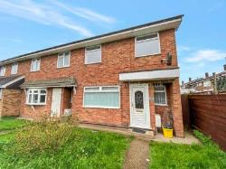 Terraced House To Let  Canvey Island Essex SS8