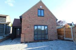 Detached House To Let  Hockley Essex SS5