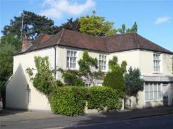 Detached House To Let  Henley-on-Thames Oxfordshire RG9