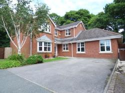 Detached House To Let  Leyland Lancashire PR25