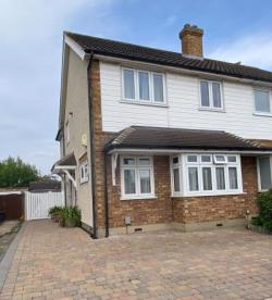 Semi Detached House For Sale  Upminster Greater London RM14