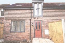 Terraced House To Let  Thatcham Hampshire RG19