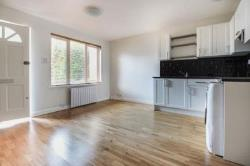 Flat To Let  Colliers Wood Greater London SW19