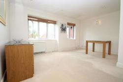 Detached House To Let  St. Albans Hertfordshire AL4