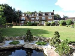 Terraced House To Let  High Wycombe Buckinghamshire HP10