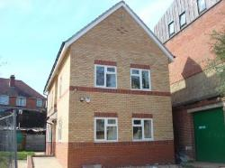 Terraced House To Let  Southampton Hampshire SO17