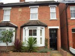 Terraced House To Let  Surrey Surrey KT13