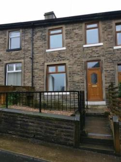 Terraced House To Let  Huddersfield West Yorkshire HD7
