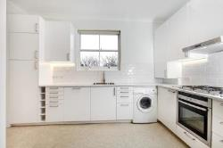 Flat To Let Roxeth Hill Harrow Middlesex HA2