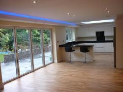 Detached House To Let  Barnet Hertfordshire EN4