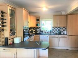 Terraced House To Let  Stevenage Hertfordshire SG2