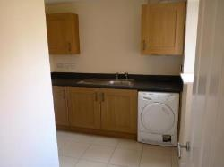 Detached House To Let  Bedford Bedfordshire MK40