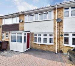 Terraced House To Let  Corringham Essex SS17
