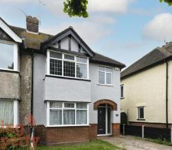 Semi Detached House To Let  Clacton-on-Sea Essex CO15