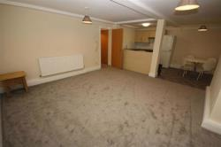 Flat To Let Boulevard Hull East Riding of Yorkshire HU3