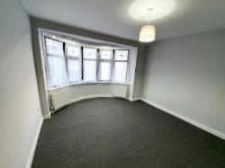Flat To Let  Redbridge Essex IG1