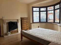 Room To Let  Ilford Essex IG3