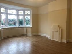 Semi Detached House To Let  Ilford Essex IG2